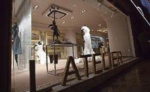 Moda y diseño en L'Atelier TUDELA / Boutique con un encanto especial, donde poder disfrutar de la experiencia de vestir los momentos más especiales de nuestras vidas.