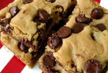 Brownies & bars recipes / by Nadia MLB