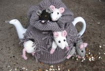 Sack of mice tea cosy