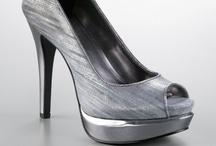 If The Shoe Fits / by Jonalyn Forman