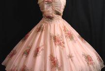 Платья/женская одежда