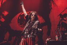 Alice Cooper live at Wembley Arena