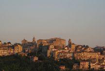 Poggio Mirteto / Poggio Mirteto e i suoi paesaggi, tra monumenti, chiese e casette