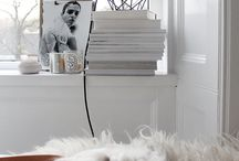 SHADES OF WHITE // BLANC / white decoration and white furniture. Décoration blanc - pureté - simplicité