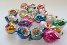 Vintage Christmas Ornaments / I love vintage Christmas ornaments. They are so beautiful and filled with memories. Vintage Christmas ornaments are also highly collectibles.  I prefer buying older ornaments whenever I shop for new Christmas tree decorations.