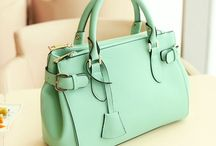 I want a green purse!!