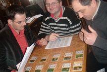 Szkolenia Negocjacje w biznesie / Wybrane szkolenia z zakresu negocjacji.  Uczestnicy trenują umiejętności negocjacyjne grając w grę Cafetero.