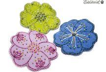 handgestickte Blüten