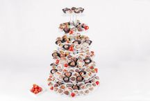 Wedding catering / Wide range of chocolate-dipped fruit platters, baskets and centre-piece ideas that combine uniqueness and freshness to impress all of your guests. Our artfully presented and delightfully delicious dipped-fruit platters and arrangements will make any occasion extra special.
