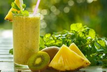 Smoothies / Smoothie Rezepte mit Obst, grüne Smoothies, Smoothies mit Superfoods, Detox-Smoothies