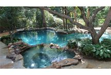 Decor: Swimming Pools / by Pat Gunder