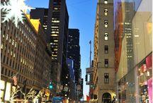 Nueva York / Deslúmbrate por las luces de la ciudad más cosmopolita del mundo, déjate envolver por su brillo y contágiate de la energía de su gente. ¡VIsita Nueva York!