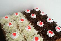 Mer's Kitchen / menerima pesanan kue, cake jajan pasar... Spesial Cassava Cake  WA: 087839354702 call/text: 082137809039