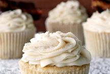 cupcakes / by Tricia Urban