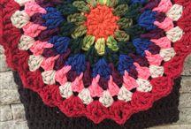 Crochet / Bolsas em crochê , mimos em fios