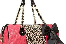 Accessories: Purses & Bags
