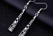 Jewelry / Choose from the great collection of women's jewelry and men's jewelry; such as necklaces for womens, Women's earrings, Women's bracelets, mens bracelets, menschains and much more at best prices.