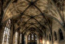 Buildings / Abandoned church