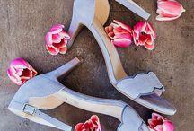 Hello Spring • Deichmann FS18 / Winter adè - Zeit für Frühling, auch in unserem Kleiderschrank! Egal ob coole Sneakers oder Styling in angesagten Rosè-Tönen, wir zeigen euch, welche Trends ihr im Frühling auf keinen Fall verpassen solltet!