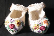 crochet baby shoes and boots / by Donna Gearren