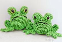 Crochet reptiles, froggs and insects