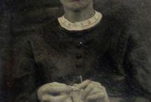 histoires de chaussettes 4 socks photo cartes postales / photos   et cartes postalesde femmes tricotant, knitting wimen pictures  ^postcards