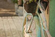 Bicycles / by Vanessa Schwartz