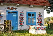 flower painted shed