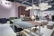 Office desks / Sit stand desks in an aesthetic design with an ergonomic twist