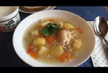 Garlic chicken soup with pearl barley. Supă de pui cu usturoi și arpacaș. Суп с перловкой и чесноком. / Ingredients: chicken-500g, pearl barley-100g, 2 onions, 1 pepper, 2 carrots, 6 potatoes, 2 garlic, salt, peperocino, parsley and sour cream. Ingrediente: carne de pui-500g, arpacaș-100g, 2 cepe, 1 ardei gras, 2 morcovi, 6 cartofi, 2 căpățâni de usturoi, sare, piper, pătrunjel și smântână, după gust. Ингредиенты: мясо куриное-500г, перловка-100г, лук-2шт, один перец, морковь-2шт, картошка-6шт, две луковицы чеснока, соль, перец чёрный, петрушка и сметана на вкус.