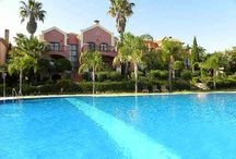 Beautiful Pool Areas / Pins of swimming pools and outside areas in luxury properties in Marbella
