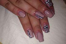 Delia's nails