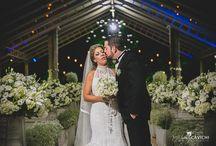 Casamento clássico em Taubaté / Casamento clássico em Taubaté, com decoração em verde e branco e luzinhas por todo o salão.