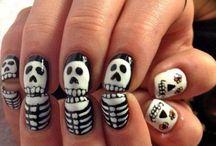 Halloween / Cute skeleton nails / by Elizabeth Ortiz