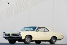 fotos de coches clasicos classic car pics / by Annie Teems