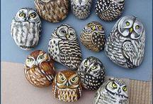 sovy malované kameny