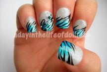 Make-up, nails