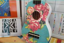 Old Guitars Turned Into Unique Ideas / Guitar strings are not restricted to fine music, but can also act as awesome rustic decors. Convert your old guitars to a wall shelf, or as a wine bottle holder. Check out these beautiful pictures, how can old guitars turned into unique ideas of decor. Try it out.