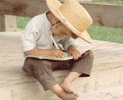 amish and menonites / by Cindy Arnold