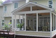 Covered/screened in back deck