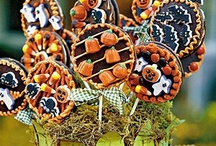 Halloween Noms  / by Roxy Orcutt-The Halloween Honey
