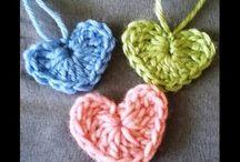 petits coeurs au crochet