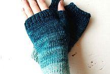 · Knitting Mitten ·