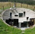 """Arquitetura / Não sei explicar porquê, mas não consigo ficar indiferente a boa ou má arquitetura. Como é que se põem uns tijolos, uns caixilhos e uns vidros a """"funcionar"""", é algo que pode ser simplesmente genial."""