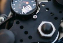 Motorcycle speedometer and rpm
