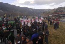 Οι αγρότες έκλεισαν συμβολικά τα Τέμπη - Καλούν σε πανελλαδική συνάντηση μπλόκων - ΦΩΤΟ