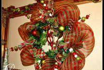 Wreaths / by Sabrina Carter