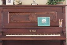 Pianos / Musical instruments