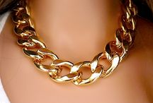 CHUNKY CHAIN NECKLACE - TREND - HOW TO WEAR / How to wear the chunky chain necklace trend.  Currently trending for F/W2014 , F/ 2014 2015, Fall 2014, Winter 2015, Winter 2014, A/W , A/W2014, A/W2015.  Part of the http://reasonstodress (Reasons to Dress .com) series on mom style and mom outfit inspiration.  Outfit inspiration chunky metal chain necklace / by reasonstodress