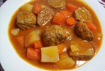 Crockpot Recipes / Slow cooking at its best / by Kelli Lawrence
